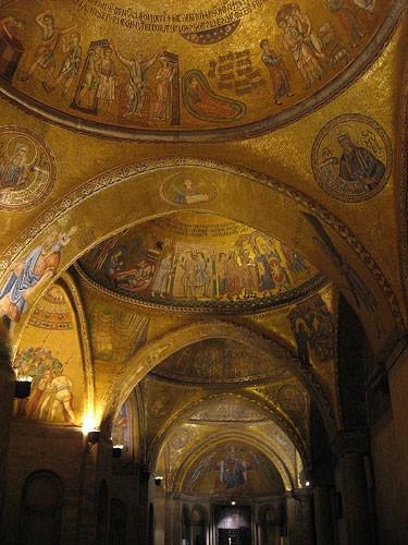 I Mosaici D Oro A San Marco Una Bibbia Aperta A Venezia