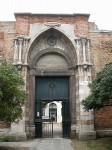 450px-Venezia_-_Chiesa_dei_Servi_(Portale).jpg