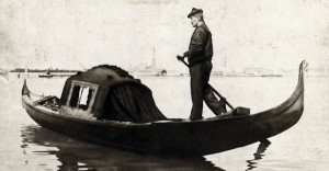 C. Naya, Gondoliere, Venezia 1880 ca., albumina, 190x250